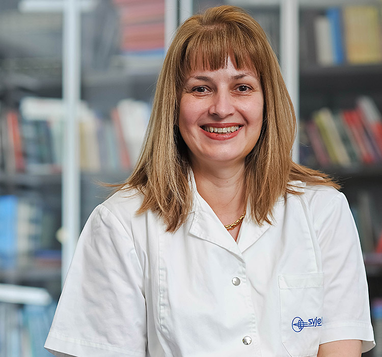 prof.dr.sc. Iva Dekaris, specijalist oftalmolog, subspecijalist prednjeg segmenta