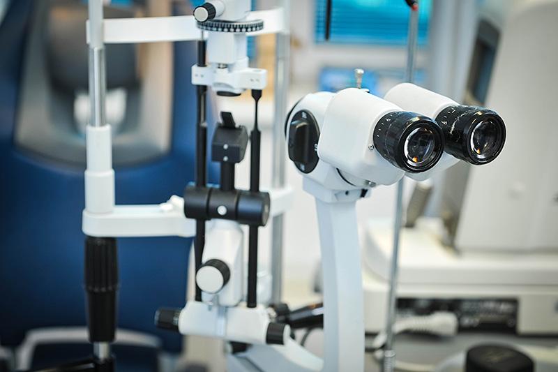 Biomikroskop uređaj za pregled detalja oka